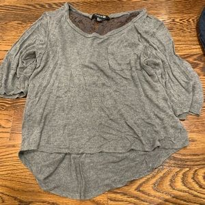 Tops - Grey tee size small